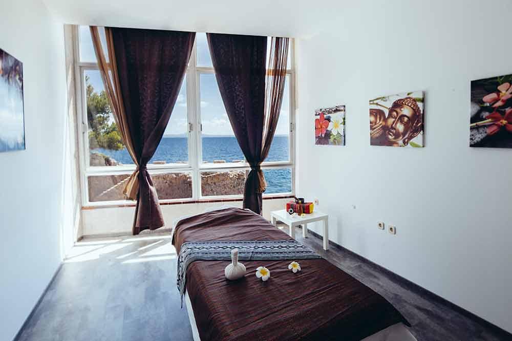 sala-de-masajes-Playa-Marina